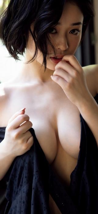 MINAMOのヘアヌードグラビアエロ画像011