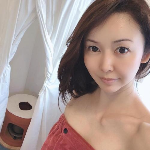宮崎宣子のSNS写真エロ画像006
