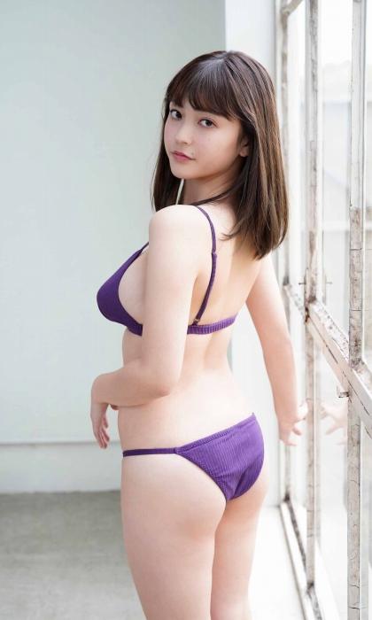 櫻井音乃の初水着グラビアエロ画像011