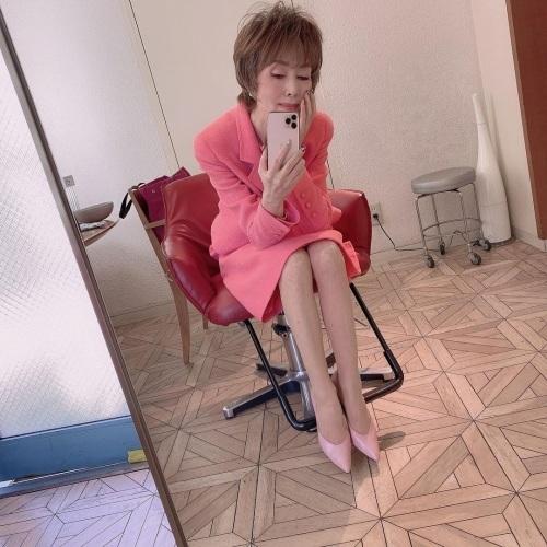 小柳ルミ子のインスタ写真エロ画像007
