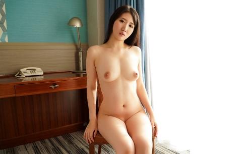 すっぽんぽんの全裸ヌードエロ画像082