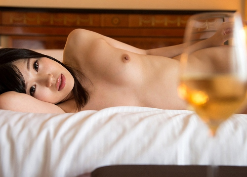 すっぽんぽんの全裸ヌードエロ画像182