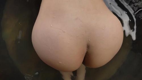 小泉かなの全裸入浴姿のエロ画像029