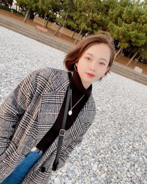 新田あゆなのSNS自画撮り写真エロ画像024