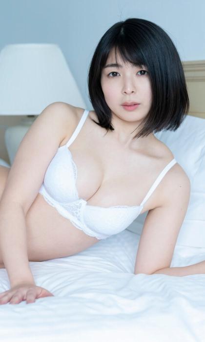 池田桃子の初下着グラビアエロ画像008