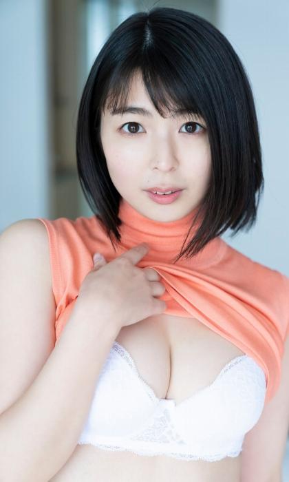 池田桃子の初下着グラビアエロ画像011