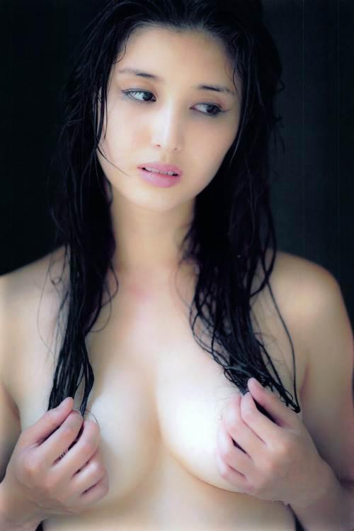 橋本マナミの髪ブラヌード