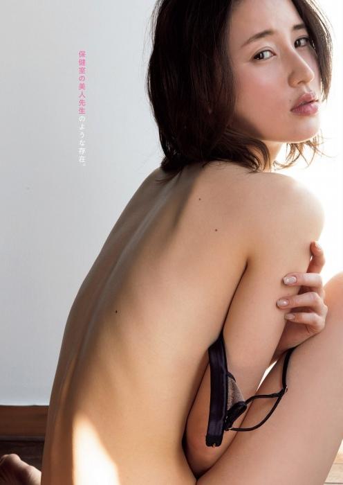 寒川綾奈のセミヌードグラビアエロ画像006