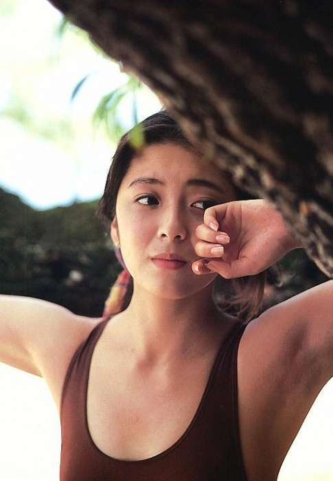 有森也実の若かりし頃の水着グラビアエロ画像011