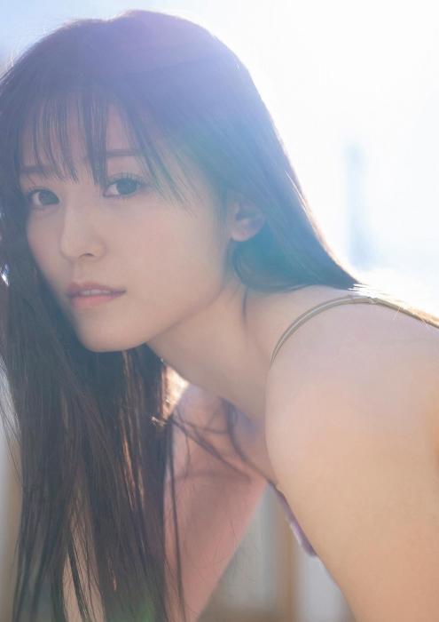 吉井美優の水着グラビアエロ画像019