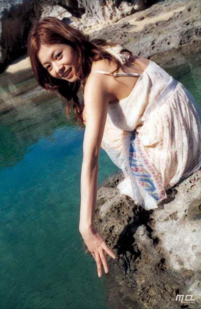 真木よう子のセミヌード写真集や水着グラビアエロ画像007