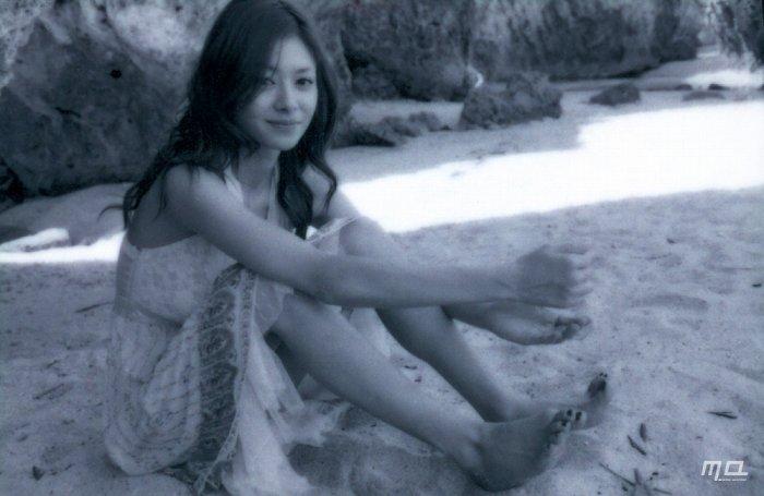 真木よう子のセミヌード写真集や水着グラビアエロ画像028