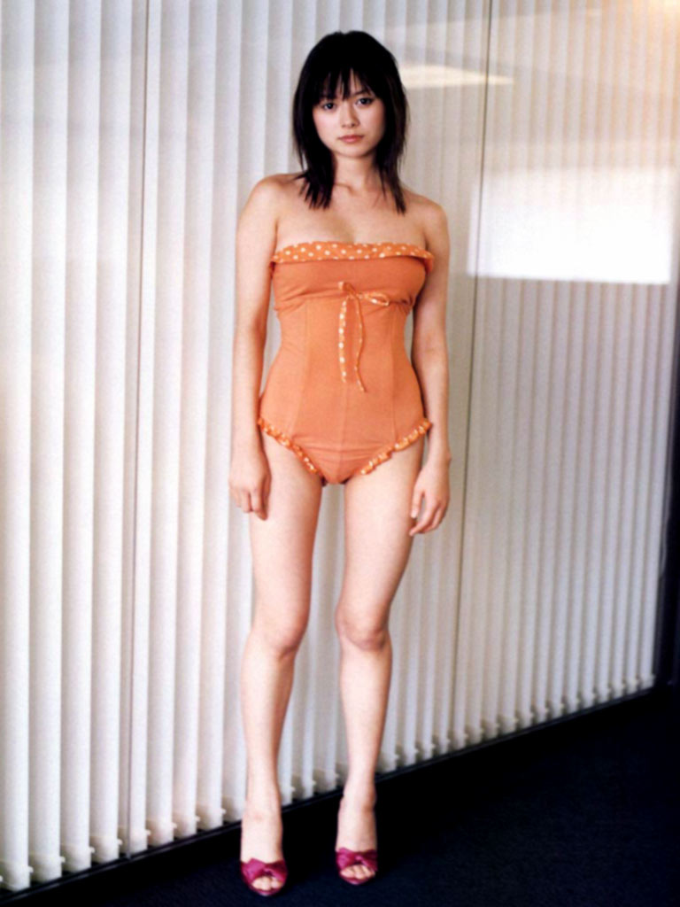 真木よう子のセミヌード写真集や水着グラビアエロ画像062