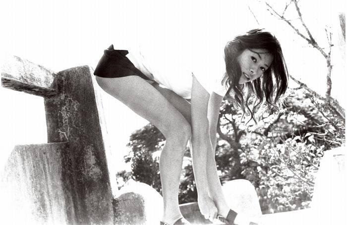 真木よう子のセミヌード写真集や水着グラビアエロ画像114