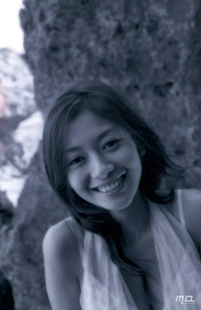 真木よう子のセミヌード写真集や水着グラビアエロ画像139