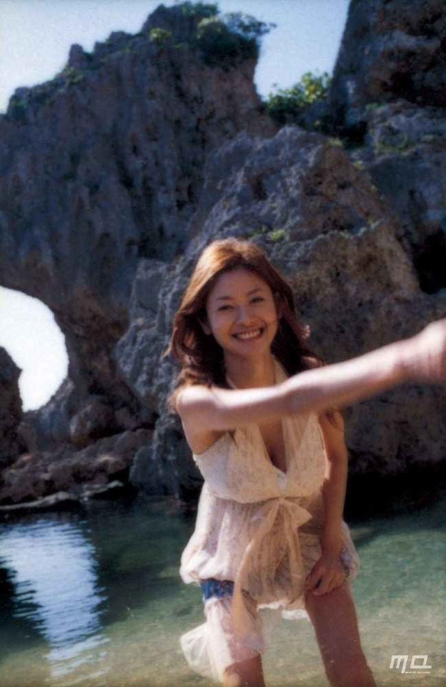 真木よう子のセミヌード写真集や水着グラビアエロ画像141