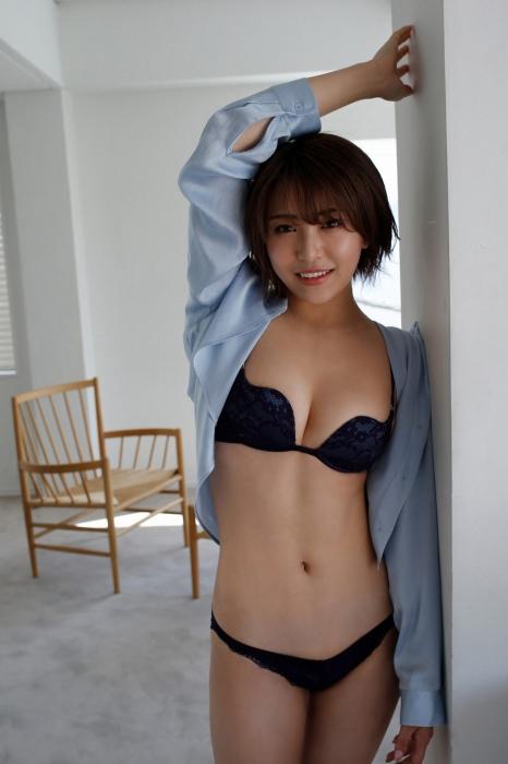 百瀬りえの過激グラビアエロ画像010