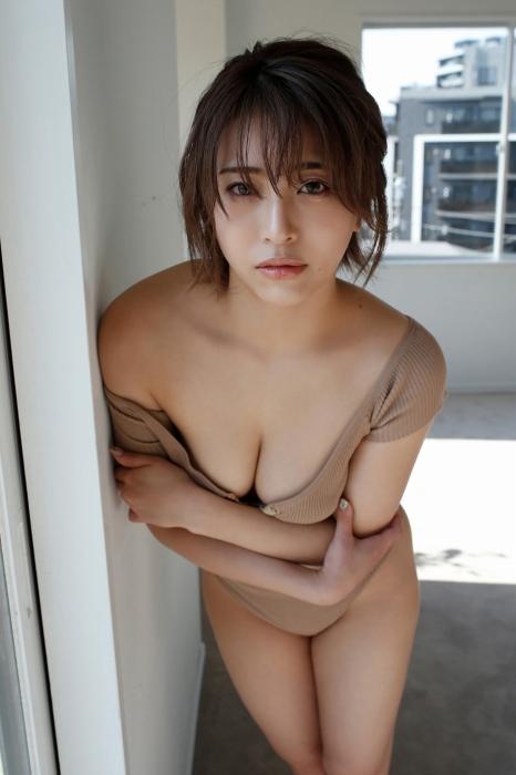 百瀬りえの過激グラビアエロ画像013