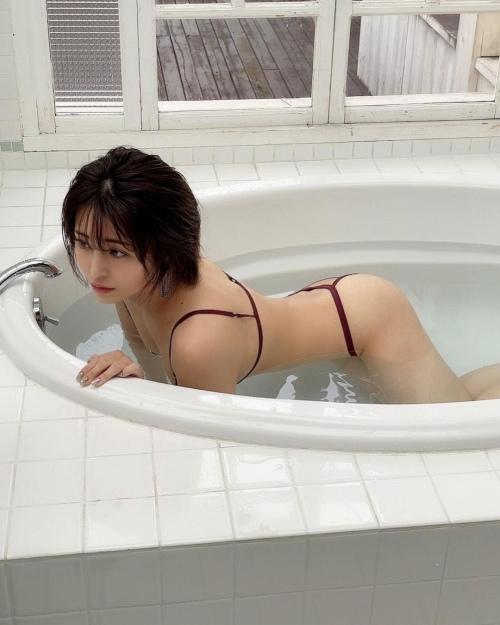 百瀬りえのインスタ過激写真エロ画像021