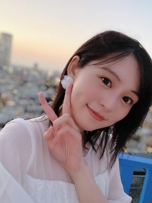 中島由貴のSNS自画撮り写真エロ画像015