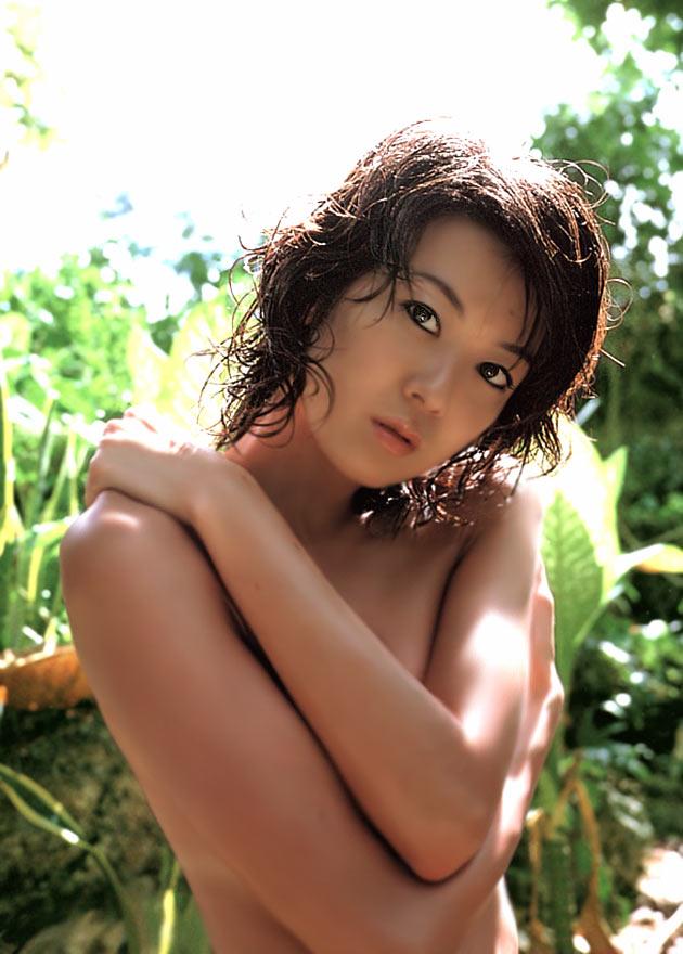 大河内奈々子(42)のヌードおっぱいや水着等エロ画像50枚