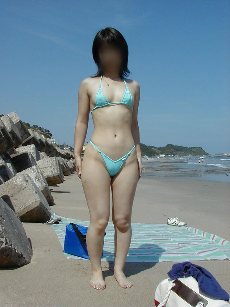 ヌーディストビーチ化した国内ビーチに現れる露出狂のエロ画像33枚・4枚目の画像