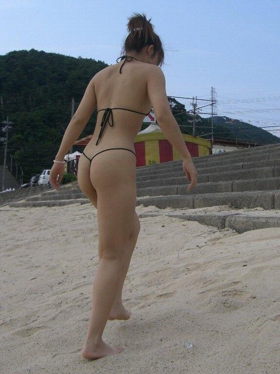 ヌーディストビーチ化した国内ビーチに現れる露出狂のエロ画像33枚・10枚目の画像