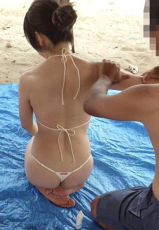 ヌーディストビーチ化した国内ビーチに現れる露出狂のエロ画像33枚・23枚目の画像