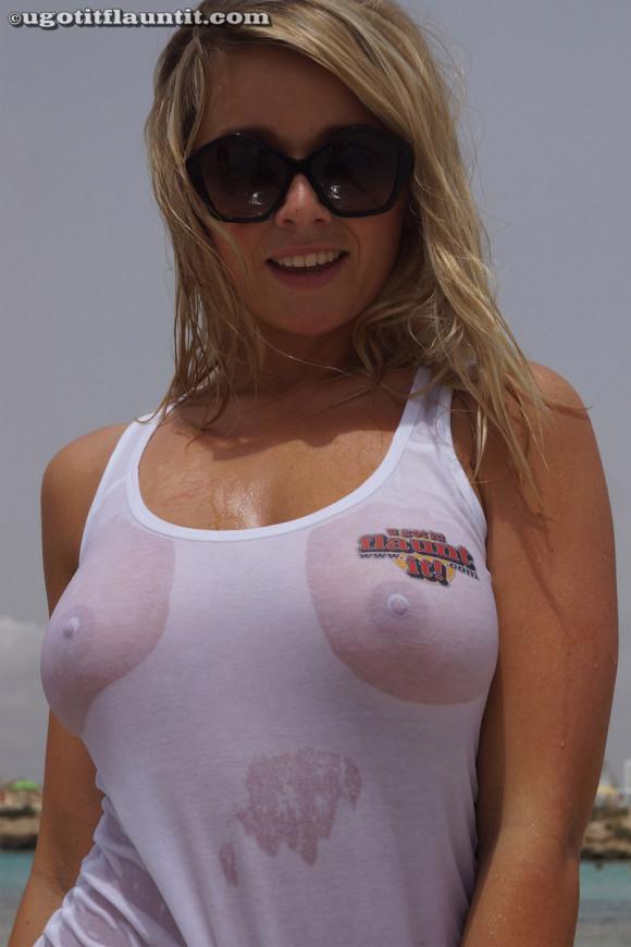 【フェチ】ノーブラ率が高い外国人のTシャツ着衣透けパイがぐうしこwwwww(画像あり)・25枚目の画像
