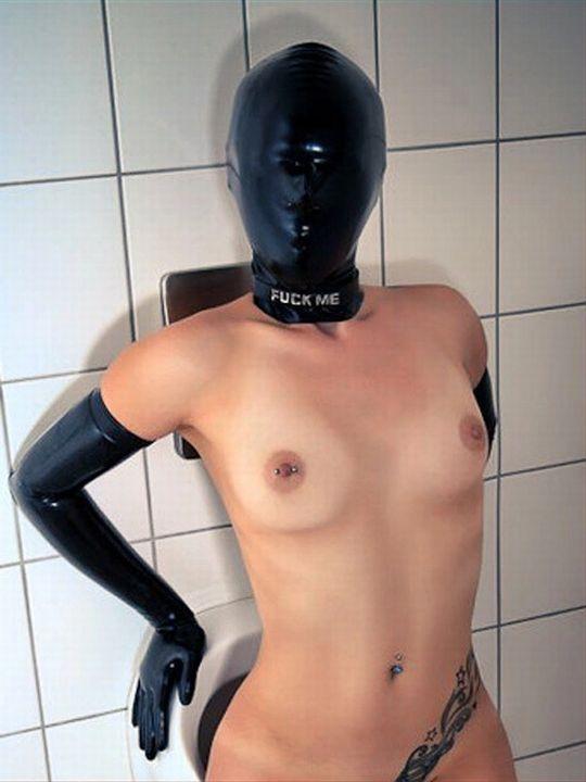 「身体はエロいが顔はブス」覆面マスク被せてSEXするエロ画像30枚・2枚目の画像