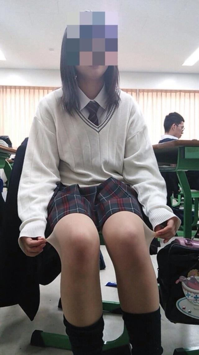 【インスタ】悪ふざけJKがエロすぎて今学生なら確実に教室でシコってると思うんだがwwwww(画像あり)・21枚目の画像