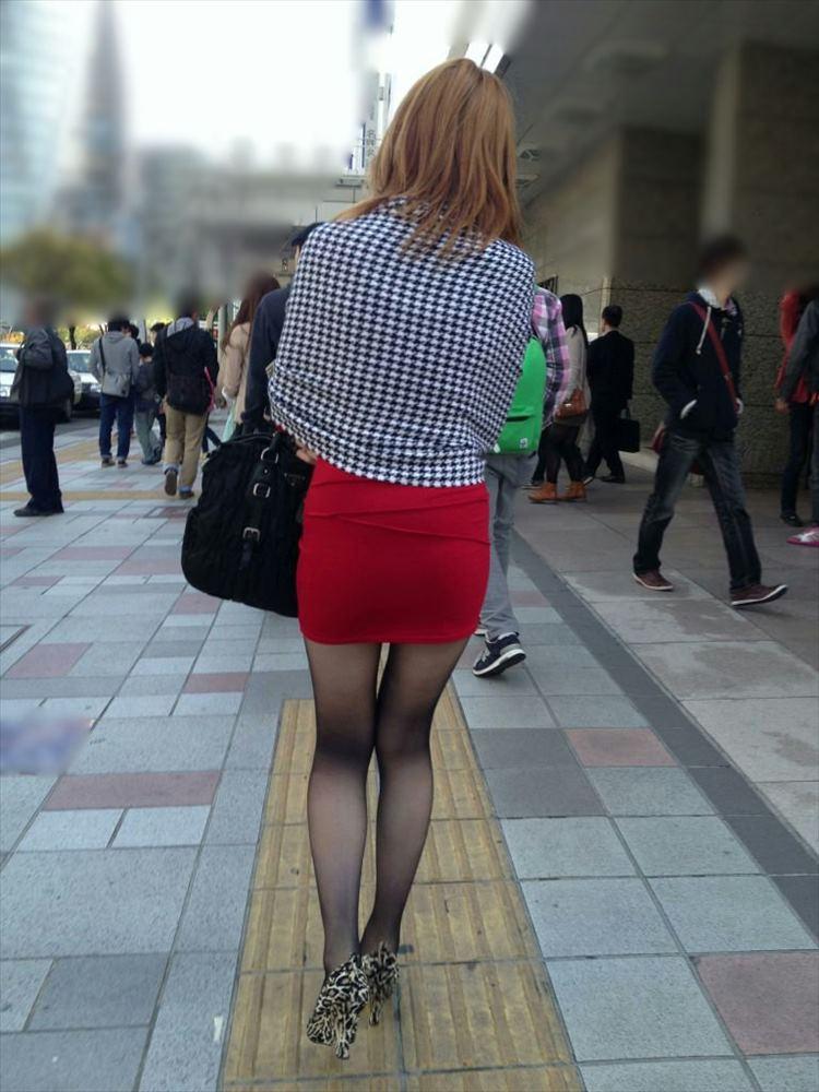 タイトミニスカ履いた素人娘の盗撮エロ画像25枚・31枚目の画像