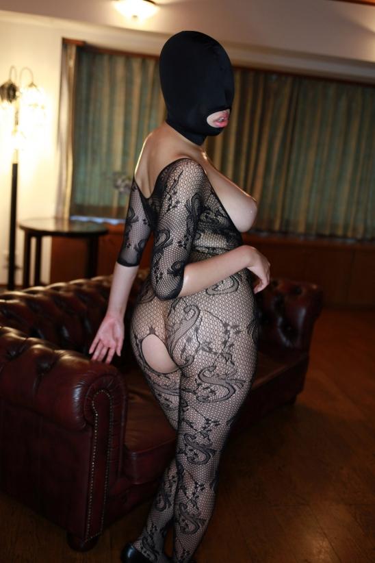 「身体はエロいが顔はブス」覆面マスク被せてSEXするエロ画像30枚・22枚目の画像
