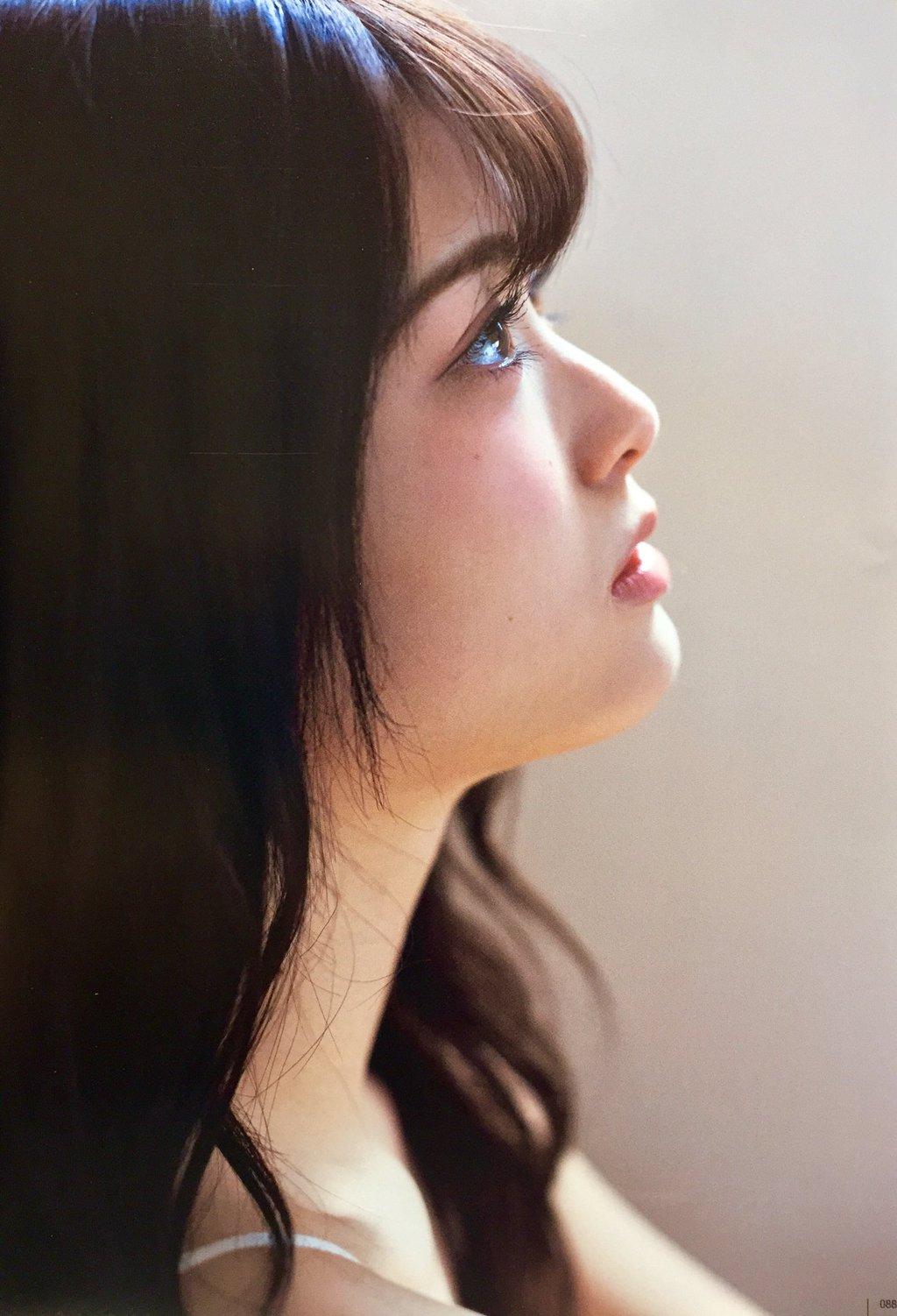 乃木坂46松村沙友理(25)写真集の抜ける下着姿エロ画像130枚・27枚目の画像
