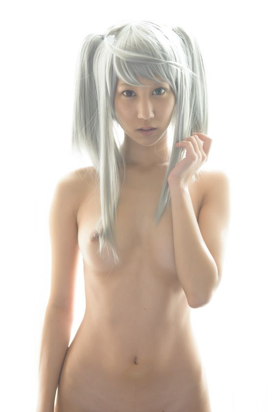 カラフル派手髪レイヤーのヌードエロ画像30枚・35枚目の画像