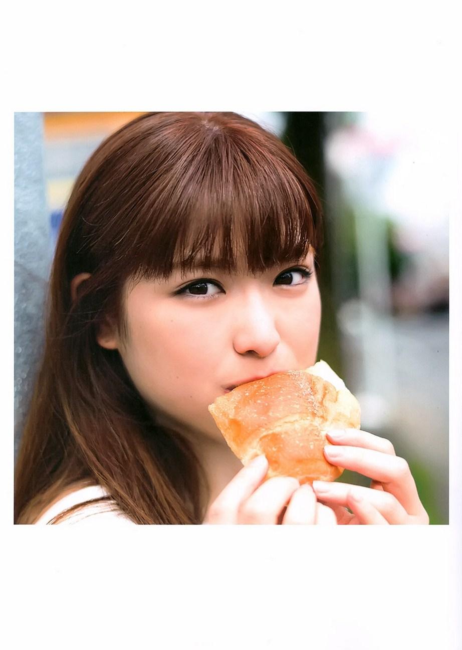 乃木坂46松村沙友理(25)写真集の抜ける下着姿エロ画像130枚・48枚目の画像