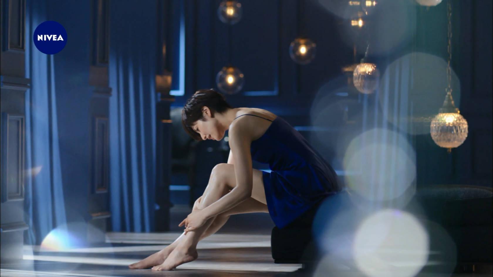 吉瀬美智子のニベアCMエロ画像007