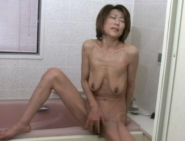 熟女垂れ乳 ヌード