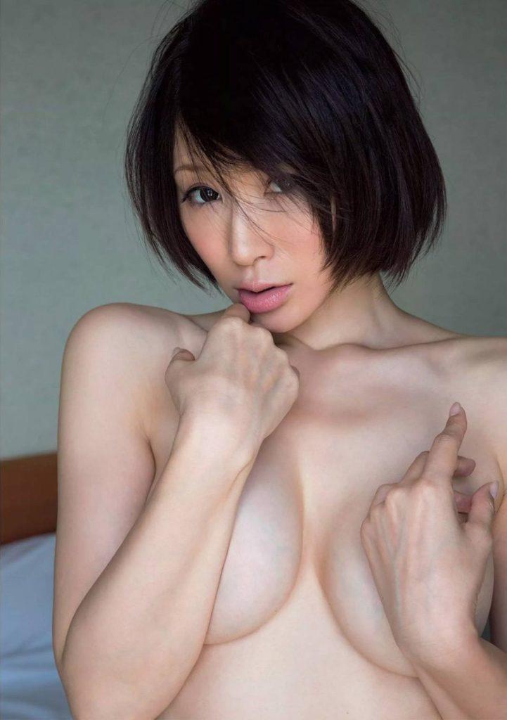 手島優の過激ヌードグラビアエロ画像006