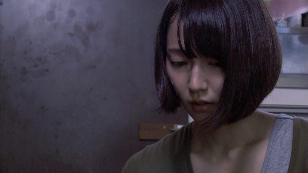 吉岡里帆のドラマ『死幣-DEATH CASH-』のエロ画像3