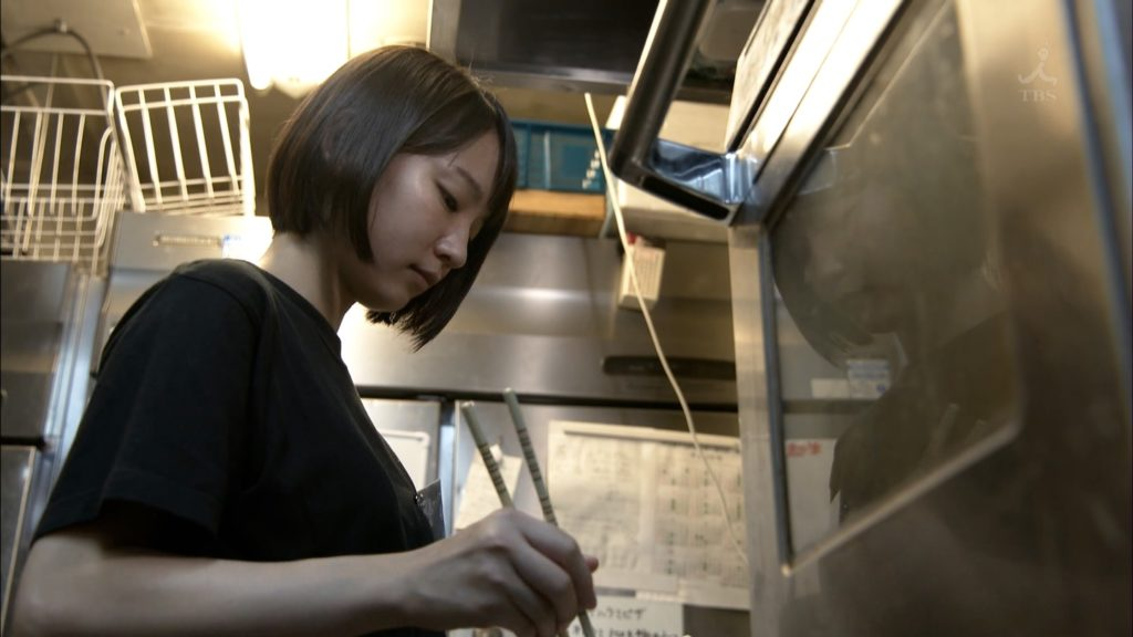 吉岡里帆のドラマ『死幣-DEATH CASH-』のエロ画像4
