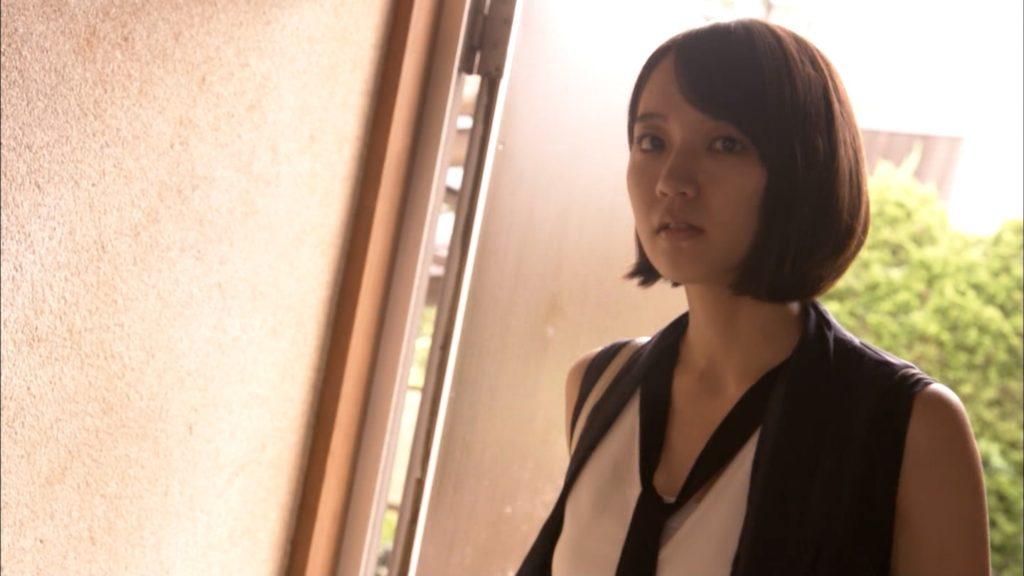 吉岡里帆のドラマ『死幣-DEATH CASH-』のエロ画像45