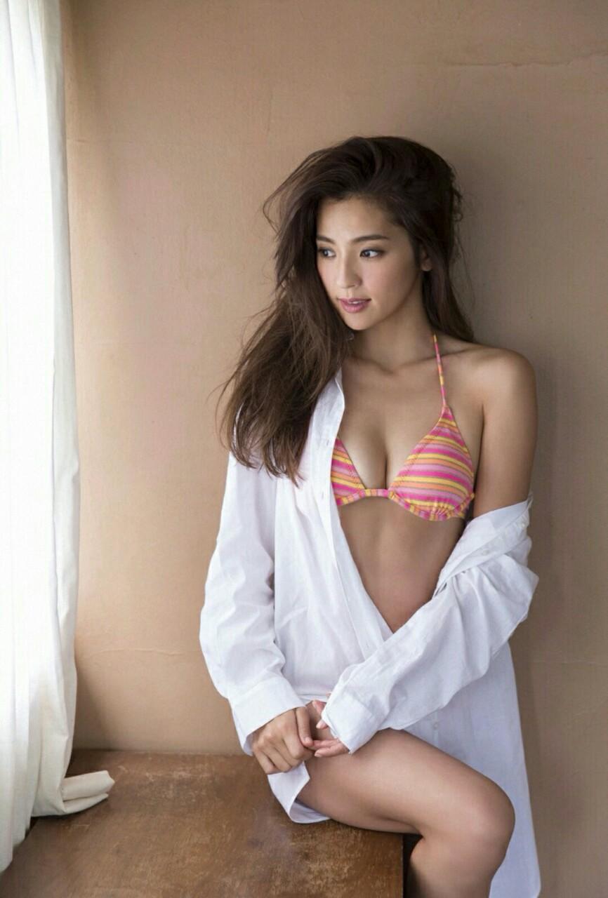 中村アンってマンスジとか胸チラとかサービス精神旺盛でエロいよなwwwww(TVエロキャプ画像あり)・16枚目の画像