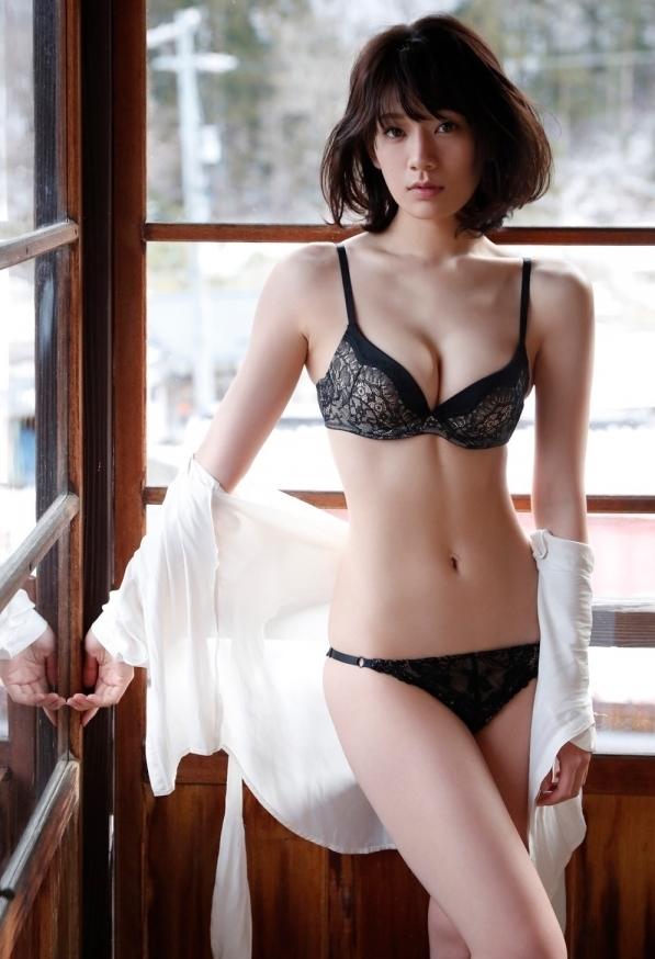 佐藤美希の最新グラビアエロ画像2
