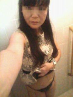 セックス中毒の人妻のエロ写メ自画撮り画像28枚・20枚目の画像