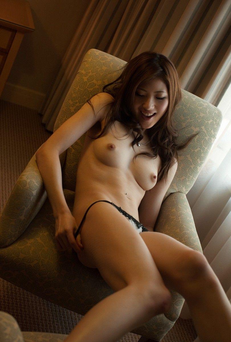 美女の裸は最高!パンイチヌードエロ画像!・29枚目の画像