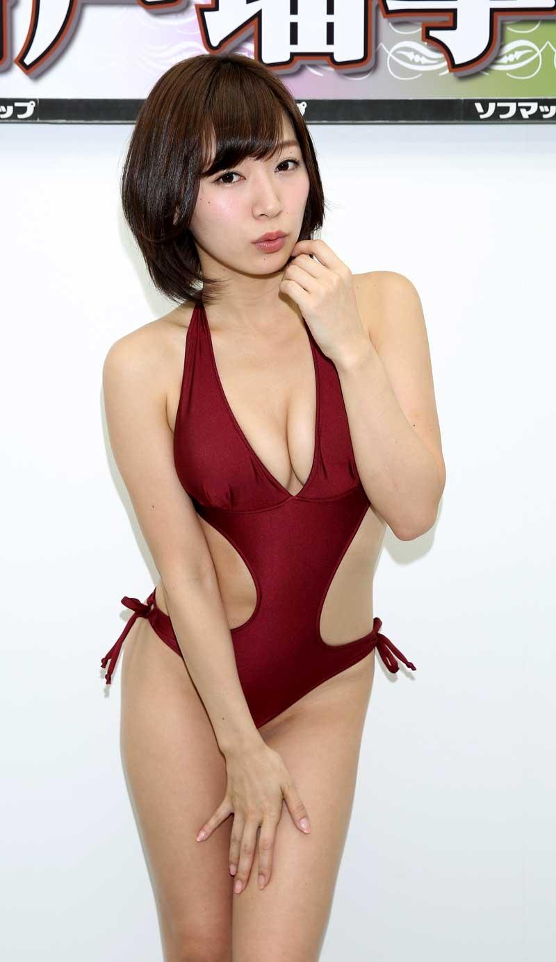 階戸瑠李(28)ヌード間近の透け乳首解禁グラビア画像100枚・50枚目の画像