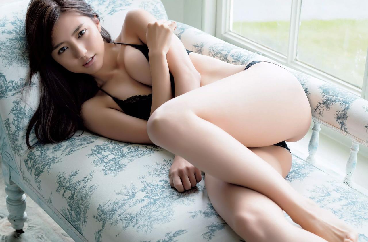 真野恵里菜(26)最新写真集のセミヌードが抜けるエロ画像44枚・7枚目の画像