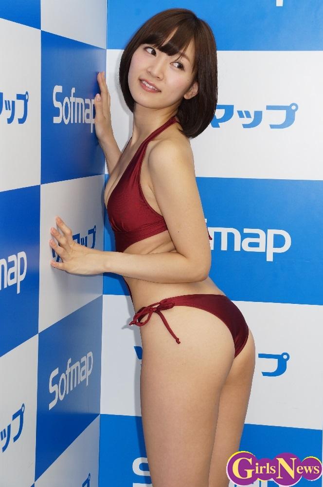 階戸瑠李(28)ヌード間近の透け乳首解禁グラビア画像100枚・53枚目の画像