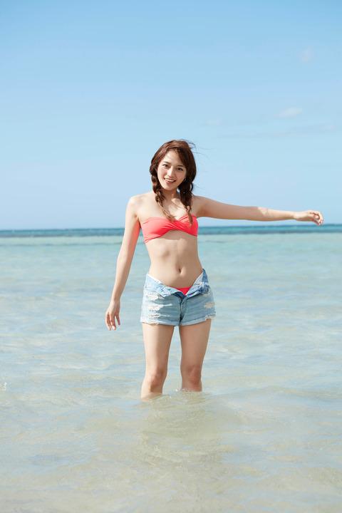 川口春奈 ヌード写真集エロ画像40枚!泡風呂ヌード、水着、セクシーランジェリー姿のプリケツ具合がクッソエロいw・8枚目の画像
